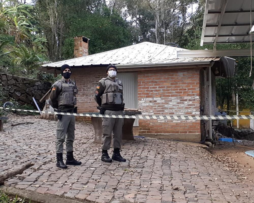 Devido ao alerta da Defesa Civil do Estado, foi realizada hoje operação para desocupar as margens do rio São Marcos no município