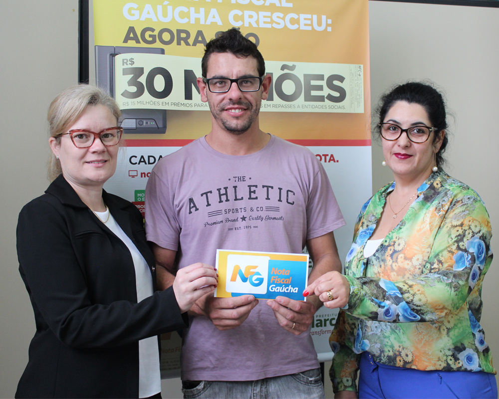 Prêmio do Sorteio Municipal da NFG de fevereiro foi entregue hoje