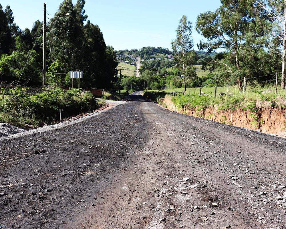 Mais uma obra de pavimentação asfáltica é realizada em São Roque através de parceria com a iniciativa privada