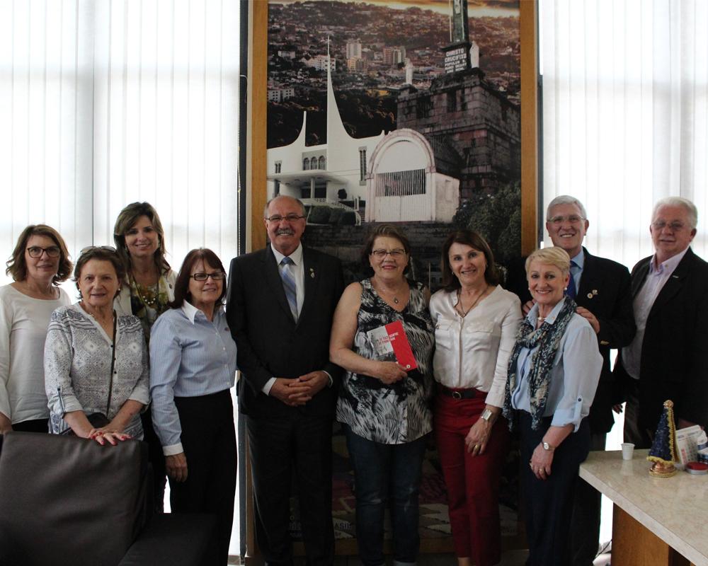 Governador do Rotary Clube visita São Marcos