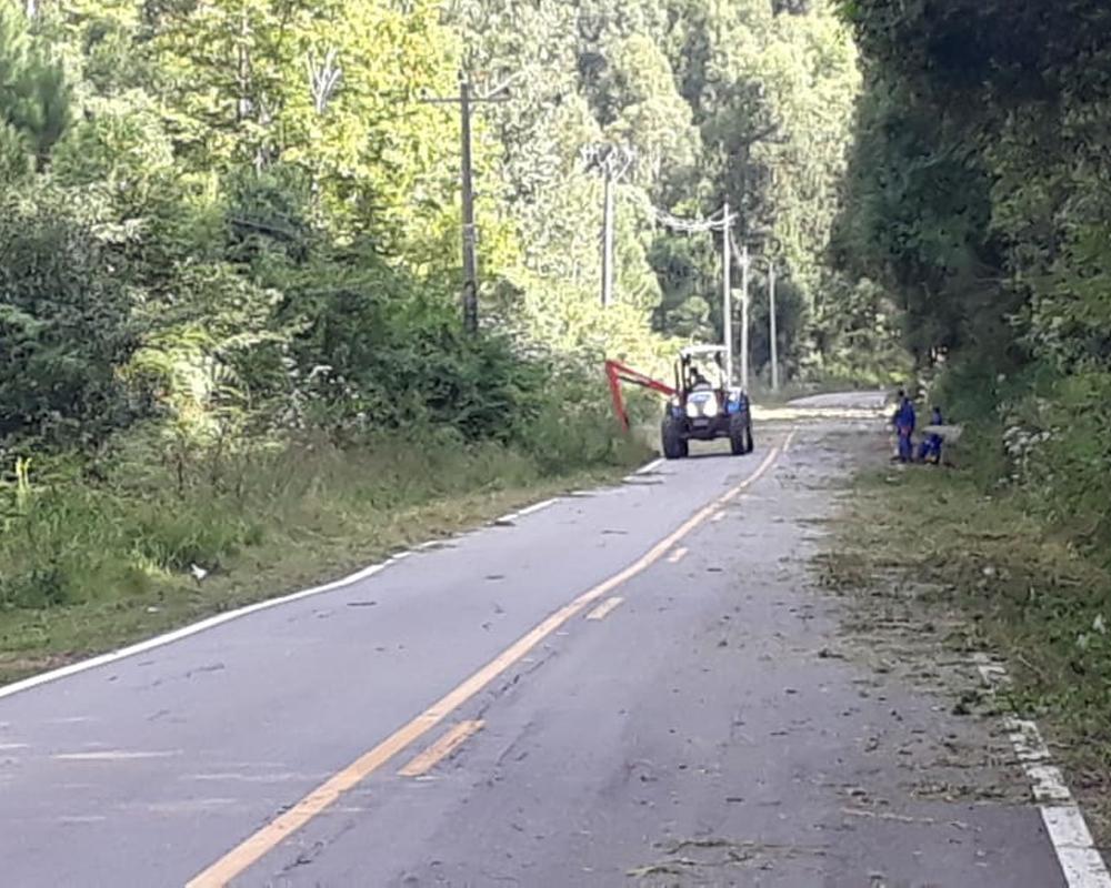 Em parceria, Secretarias Municipais realizam manutenção na estrada de acesso à Linha Tuiuti
