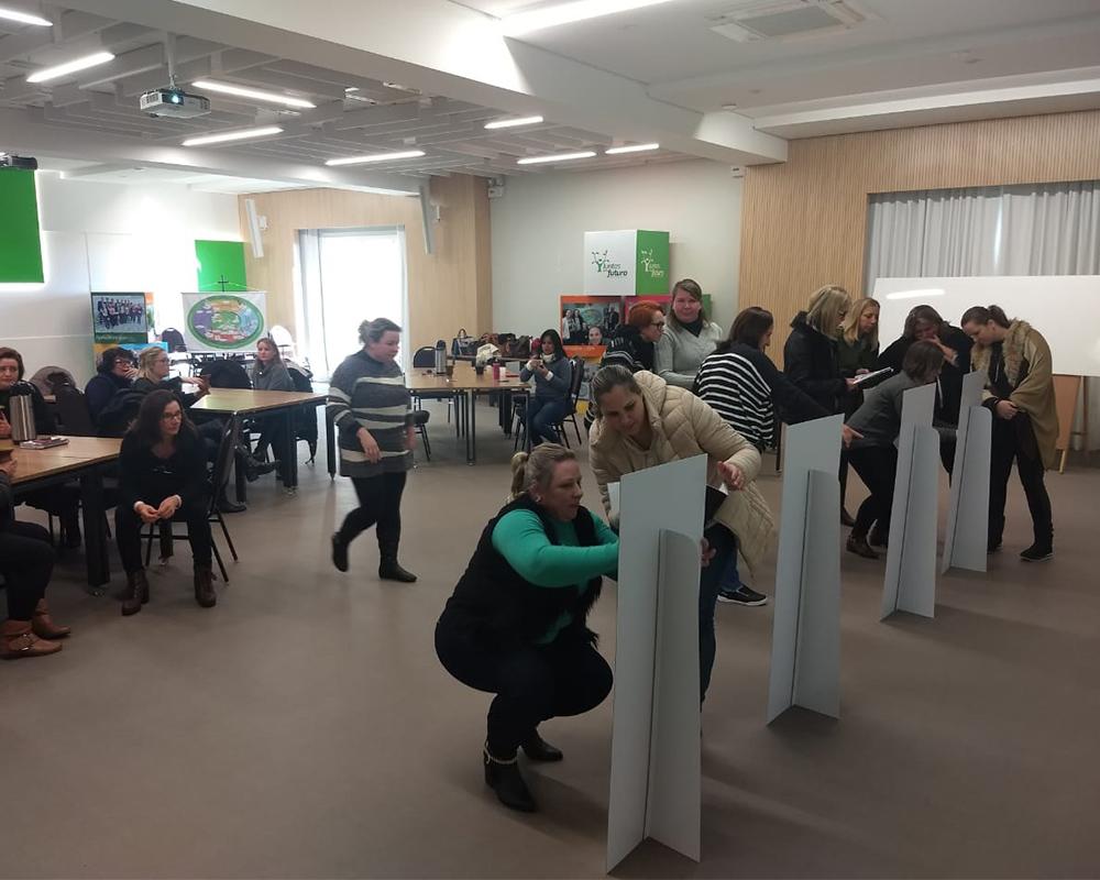 Equipes diretivas das escolas municipais participam de curso sobre educação financeira
