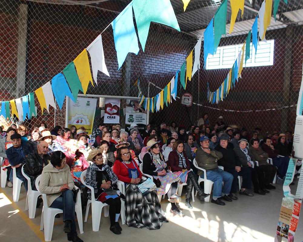 Festa Julina interna promovida pelo CRAS reuniu mais de 130 pessoas