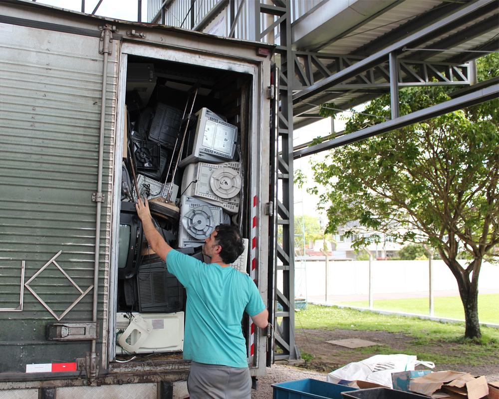 Coleta de resíduos eletrônicos mobiliza a comunidade são-marquense