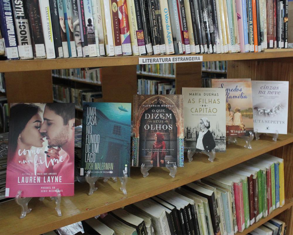Biblioteca Pública busca manter leitores atualizados