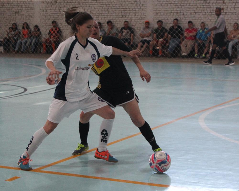 Finais dos campeonatos de futsal veterano, feminino e master foram realizadas no último sábado (07)
