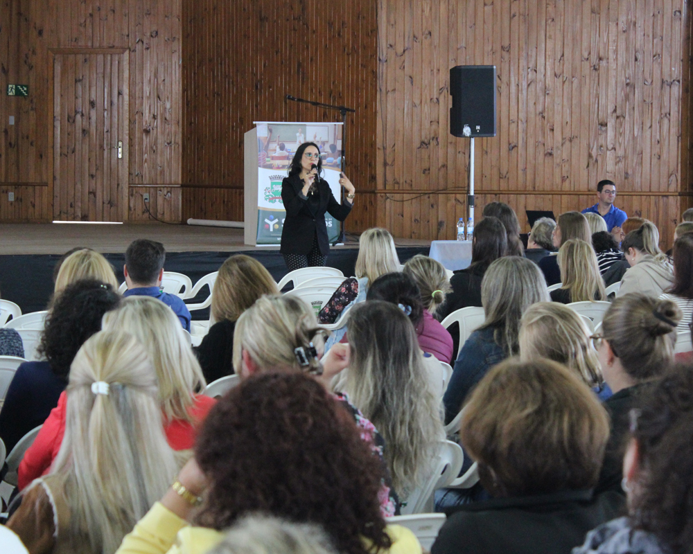 1ª Formação Continuada de 2019 reúne cerca de 200 professores