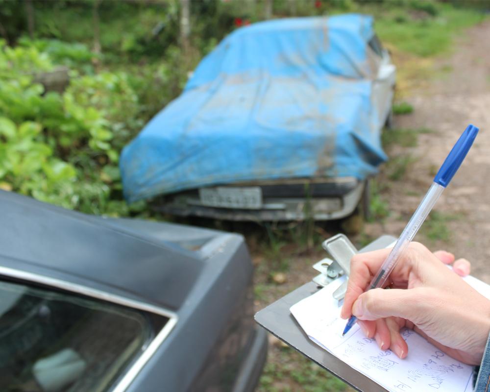 Prefeitura inicia fiscalização de veículos abandonados na Via Pública