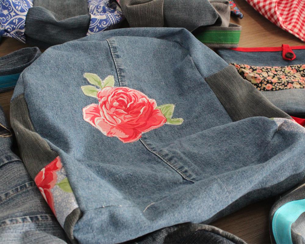 Curso possibilita a agricultoras trabalhar com a costura para transformar peças do vestuário