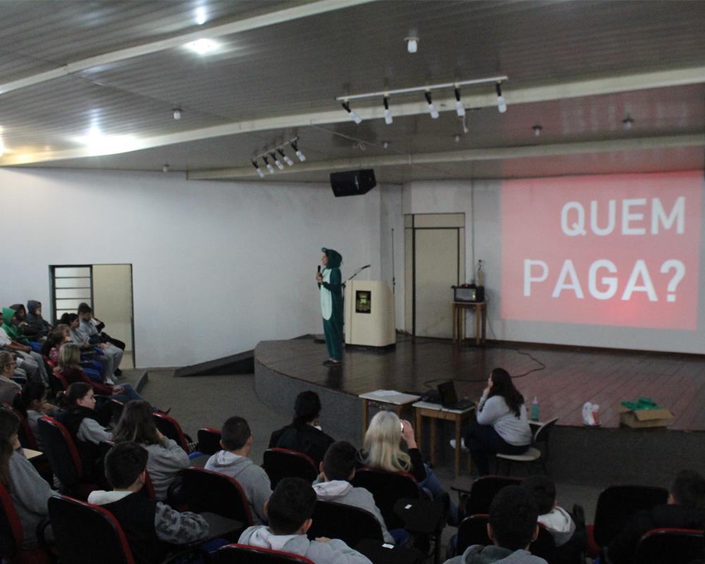 Escolas participam de concurso sobre educação fiscal