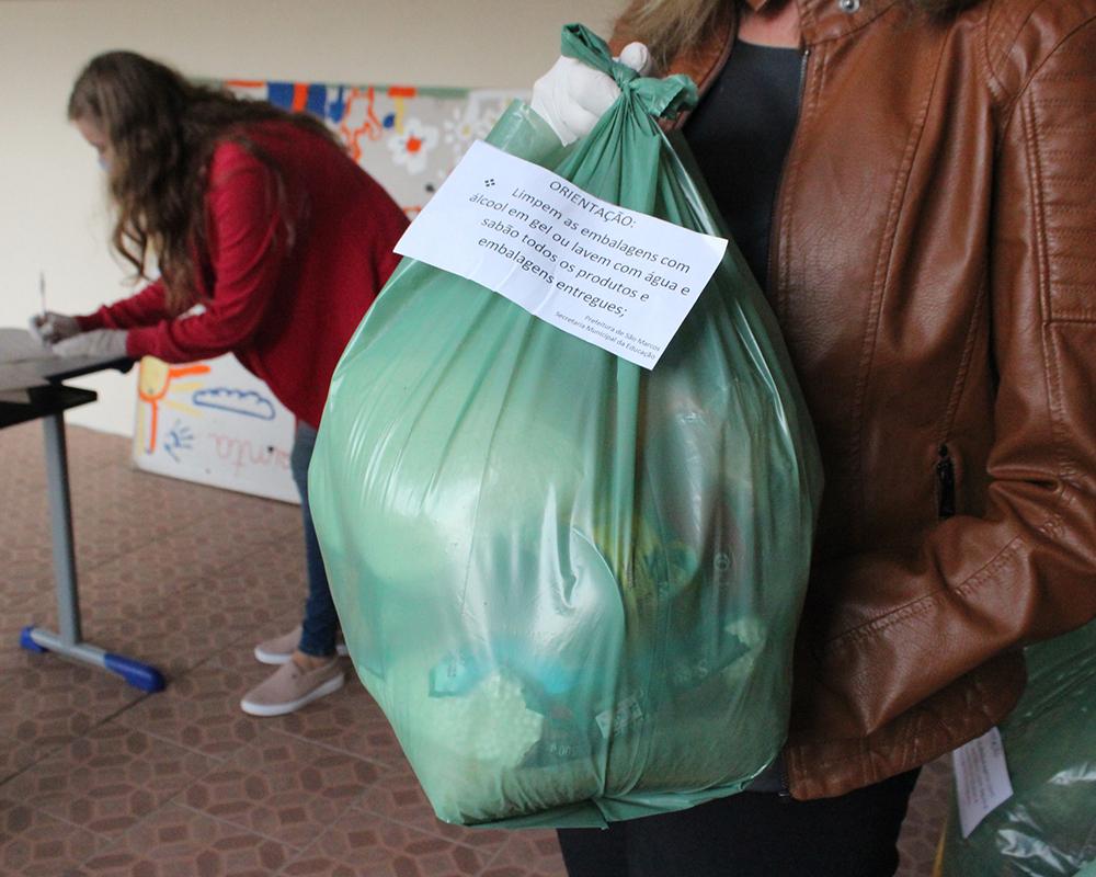 Iniciou hoje (27) a distribuição de kits de alimentação para alunos das escolas municipais de São Marcos