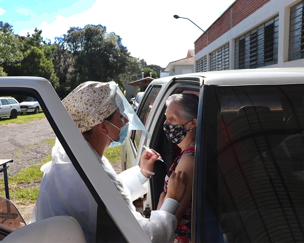 Vacinação para idosos de 84 anos ou mais será nesta terça-feira (02) em São Marcos