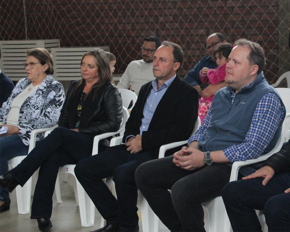 Quadra de Esportes Aldori José Crestana Gonçalves é oficialmente inaugurada